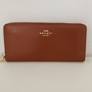 COACHSlim Accordion Zip Wallet in Smooth Leather